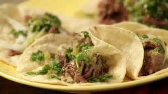 Beef tongue taco recipe: Abuela's Kitchen cooks with Rumba