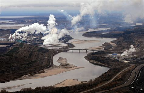 Exodus From Canada's Oil Sands Continues as Energy Giants