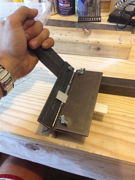 Inexpensive Soft Metal Bending Tool: 4 Steps (with Pictures)