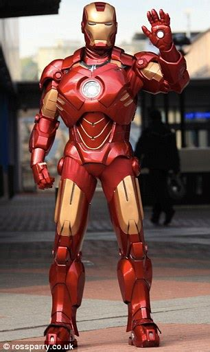 Iron Man: Mark Pearson builds amazing replica suit out of