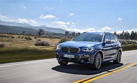2018 BMW X3 Pictures | Photo Gallery | Car and Driver