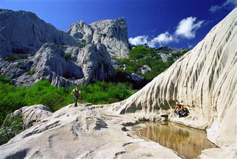 Destinations & activities near by; national parks, culture