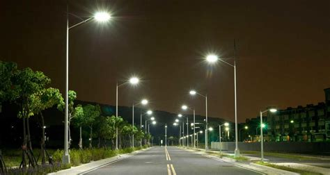 India witnesses world's largest street light replacement