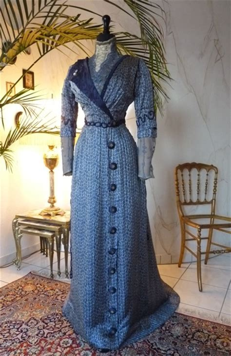 Art Nouveau Navy Silk Afternoon or Reception Gown, ca