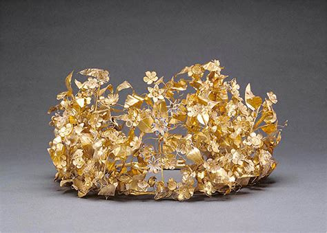 Getty Is Expected to Return Gold Wreath to Greece - The