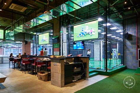 The New Cages Is Like a Heaven for Bros | SmartShanghai