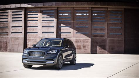 2020 Lincoln Aviator Concept Goes Plug-In Hybrid At New